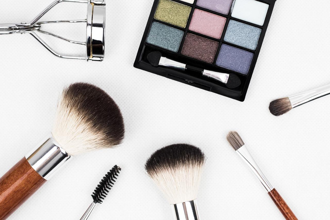 strumenti per trucco make-up